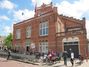 Zuiderbad, swimming pool in Amsterdam dating back to 1912 allows nude swimming on Sunday afternoon. Interesting thing to do in Amsterdam!